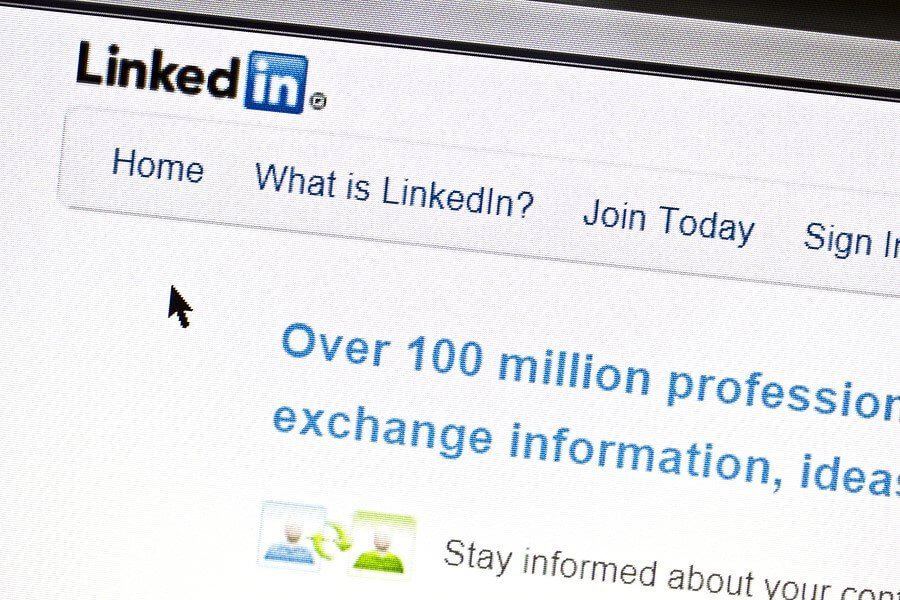 The Pros & Cons of LinkedIn